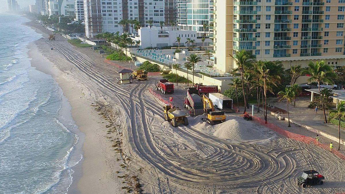 fl-sb-sand-hollywood-beach-20180123